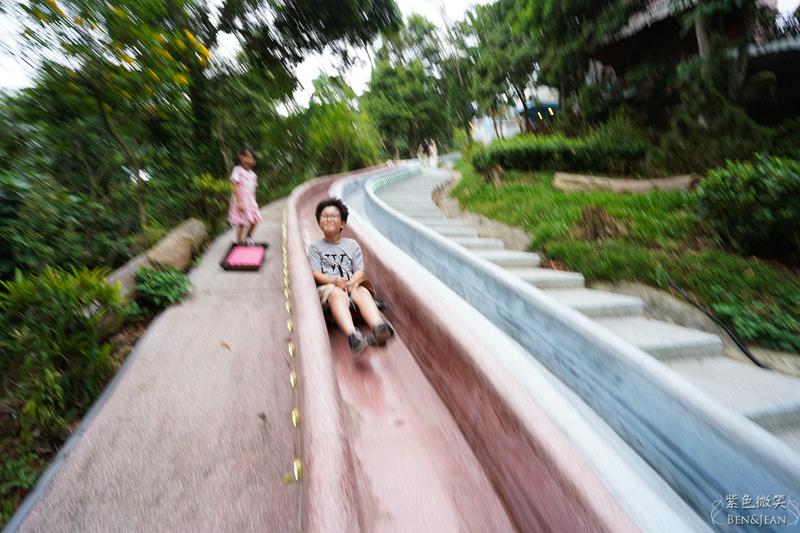 【蘇維拉莊園】全國最長75公尺森林溜滑梯令人驚聲尖叫,可愛精靈蘑菇樹屋,恐龍溜滑梯,山林步道瀑布區,讓人童心大發 苗栗南庄住宿旅遊景點推薦 @紫色微笑 Ben&Jean 饗樂生活