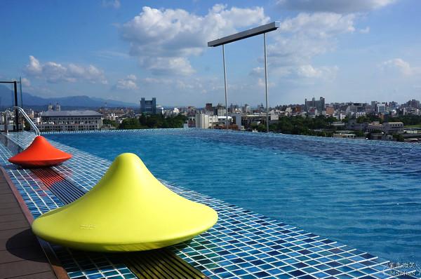 ▋嘉義住宿▋ 桃城茶樣子~以茶為主軸的設計旅店、無邊際游泳池超吸睛 @紫色微笑 Ben&Jean 饗樂生活