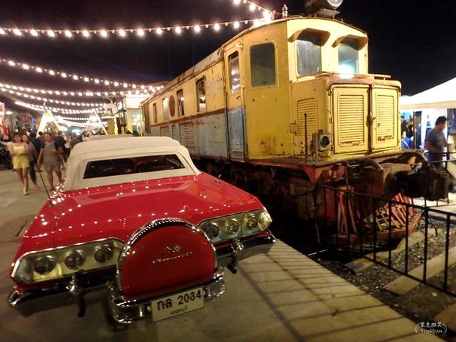 泰國曼谷. 火車貨櫃夜市Train Night Market@Kaset-Nawamin▋規模龐大、餐飲、百貨、理髮還有貨運酒吧,新奇又有趣 @紫色微笑 Ben&Jean 饗樂生活