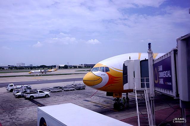 泰國曼谷~廉航酷鳥航空到曼谷,777廣體客機,經濟艙和一般飛機一樣有舒適的座椅 @紫色微笑 Ben&Jean 饗樂生活