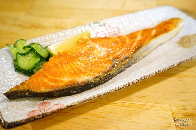 狗瘋食堂.宜蘭市餐廳▋平實的家庭料理餐廳,只供應定食套餐,魚的料理很新鮮 @紫色微笑 Ben&Jean 饗樂生活