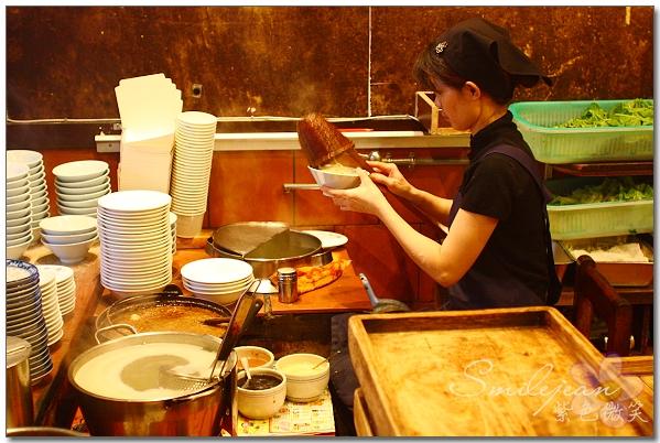 ▋台南美食▋台南市+赤崁擔仔麵~小小肉燥麵香傳千萬里 @紫色微笑 Ben&Jean 饗樂生活