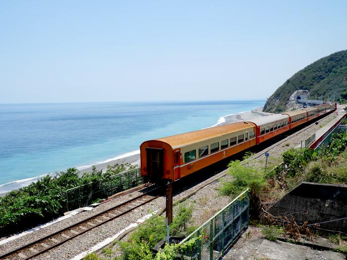 【多良車站】全臺灣最美的火車站  山海藍天景色渾然天成  地點在那裏 附近美食 火車時刻表 @紫色微笑 Ben&Jean 饗樂生活