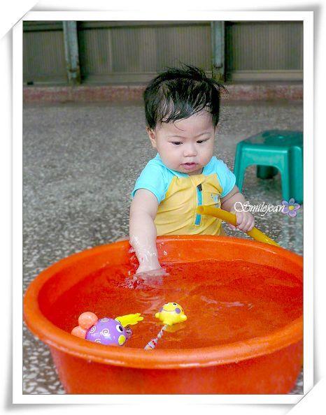 [日記]李小開玩水記(1.2歲囉) @紫色微笑 Ben&Jean 饗樂生活