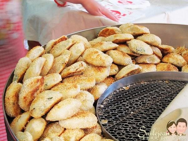 [宜蘭市小吃]吳記碳烤燒餅店~銅板美食香酥好吃又便宜 @紫色微笑 Ben&Jean 饗樂生活